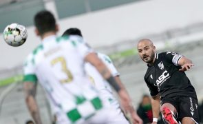 Vizinhos Moreirense e Vitória empatam a dois golos