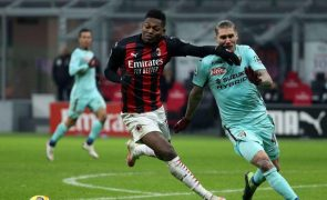 Rafael Leão marca na vitória do líder AC Milan com Torino