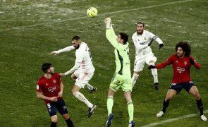 Real Madrid empata e falha liderança na neve de Pamplona