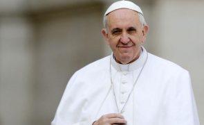 Morreu o médico pessoal do Papa Francisco vítima da covid-19