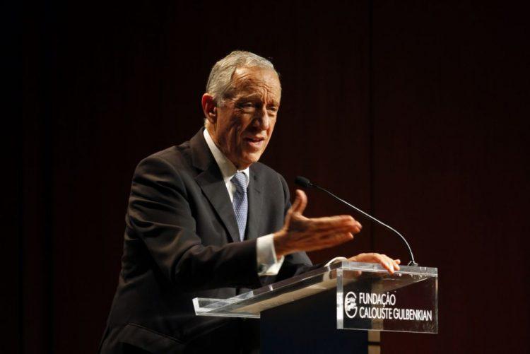 CGD: Marcelo diz que processo de transição da Caixa está a correr