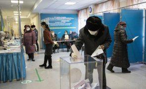 Partido no poder ganha legislativas no Cazaquistão com 71,97%  dos votos - sondagem