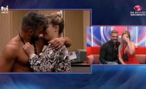 Big Brother. Anuska é a primeira expulsa e beija Hélder antes de sair!
