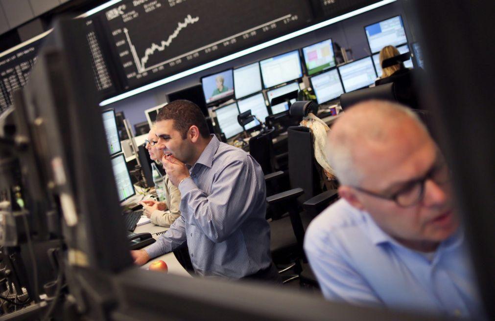 Bolsas europeias em baixa apesar dos máximos de sexta-feira na bolsa de Nova Iorque