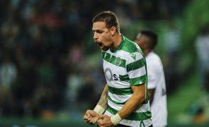 Sporting vence o Nacional em Alvalade e volta a fugir ao FC Porto [veja os golos e os casos]