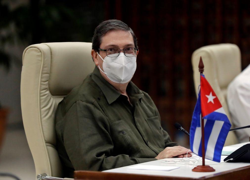 Cuba critica