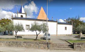 Idoso cai nas escadas de igreja em Santo Tirso e morre atropelado