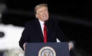 Trump diz que novo julgamento de destituição é «absolutamente ridículo»