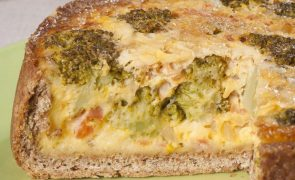 Receita de tarte de brócolos. Salgada, fácil e rápida de preparar