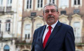Presidenciais: Democracia não pode ser confinada pela pandemia - Municípios