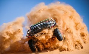 Dakar 2021: Al-Rajhi vence 10.ª etapa e Peterhansel mantém liderança