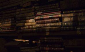 Covid-19: Livrarias voltam a fechar, mas podem vender ao postigo