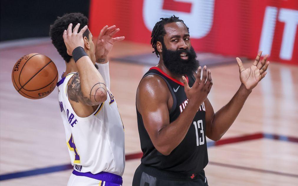 Harden junta-se a Irving e Durant nos Nets em 'super' troca na NBA