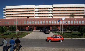 Covid-19: Hospital Garcia de Orta aumentou camas para doentes infetados