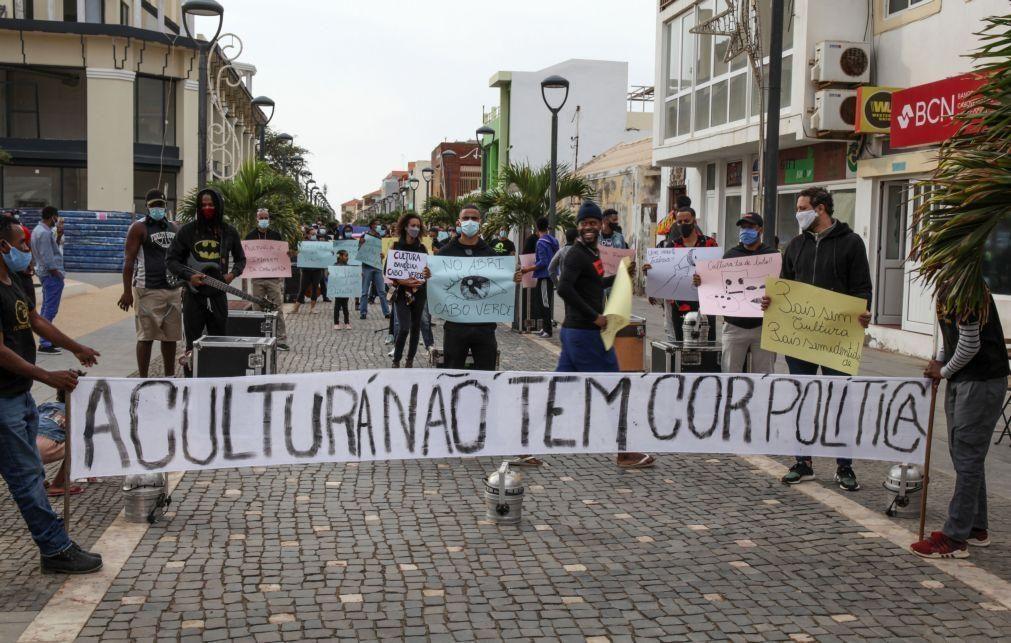 Covid-19: Trabalhadores da cultura em Cabo Verde pedem apoio na rua