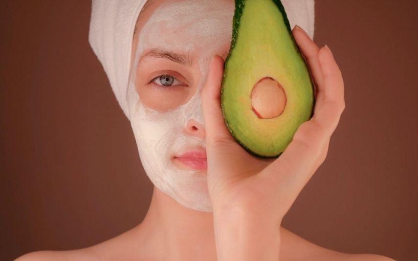 Como acabar com a pele seca sem ter de gastar muito dinheiro
