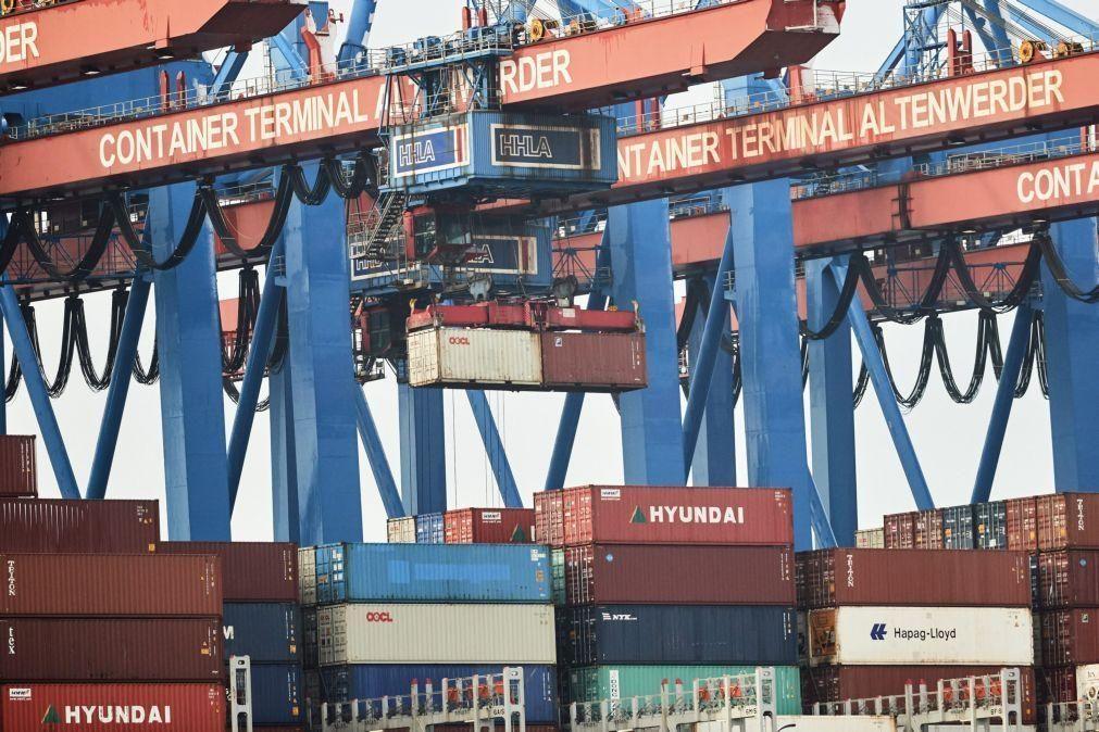 Zona euro com excedente de 25,8 mil ME no comércio internacional em novembro