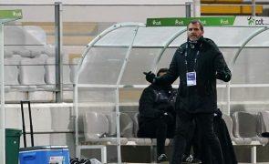 Treinador do Vitória de Guimarães quer vencer Farense com a