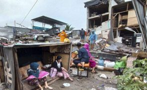 Número de mortos causados por sismo na Indonésia sobe para 42