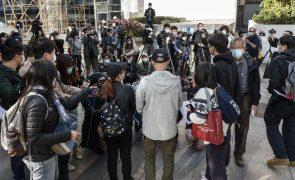 China retira carteira profissional a advogado de ativista de Hong Kong