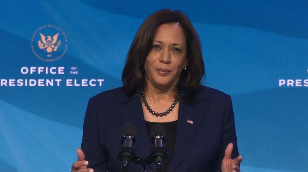 Vice-Presidente Pence oferece ajuda à sucessora Kamala Harris