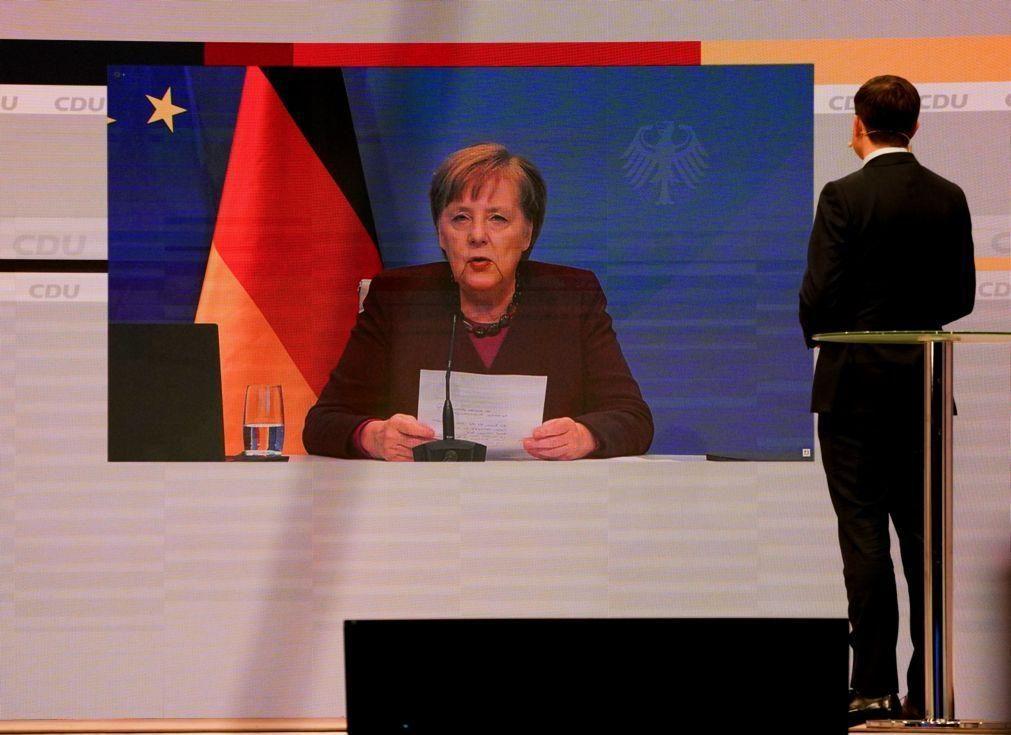 Merkel defende CDU ao centro antes da eleição de novo líder