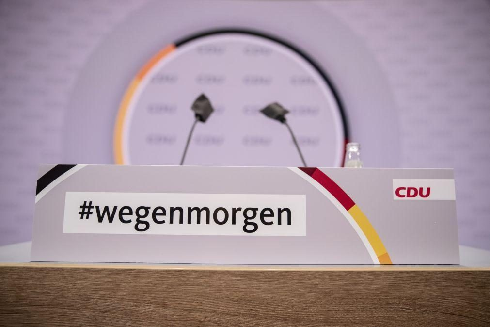 CDU diz hoje adeus a liderança feminina com incerteza sobre o substituto de Merkel