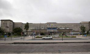 Covid-19: Hospital de Santa Maria reforça resposta e nega