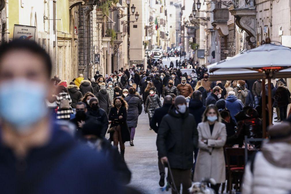Covid-19: Itália soma 16.310 novos casos e 475 óbitos na véspera do reforço das restrições