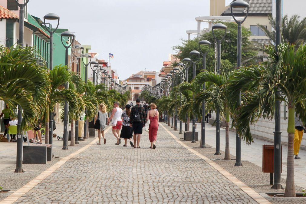 Covid-19: Turistas voltam à ilha do Sal mas as nuvens negras ainda pairam