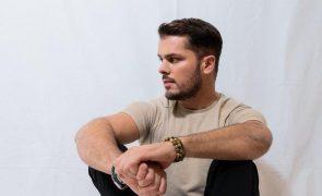 Mickael Carreira explica afastamento e deixa promessa aos fãs