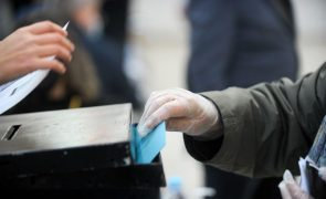 Presidenciais: CNE recebe queixas de eleitores impedidos no voto antecipado por confinamento
