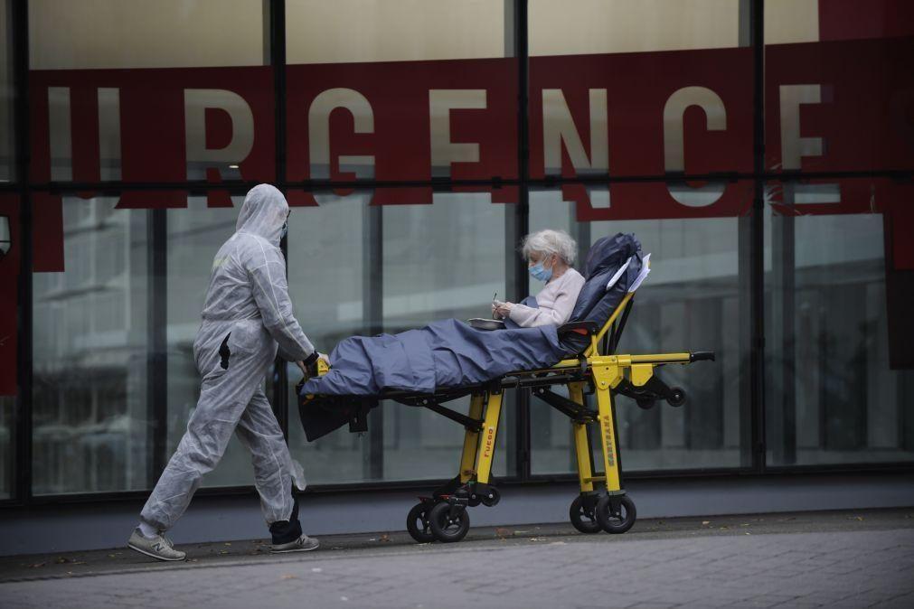Covid-19: França com 16.642 novos casos e 141 mortes hospitalares nas últimas 24 horas