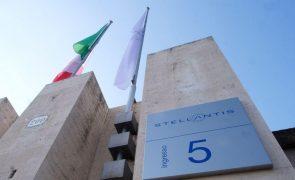Novo grupo automóvel Stellantis estreia-se em alta na bolsa de Milão