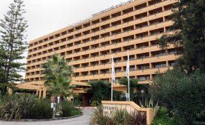 Covid-19: Hoteleiros algarvios consideram apoios à economia