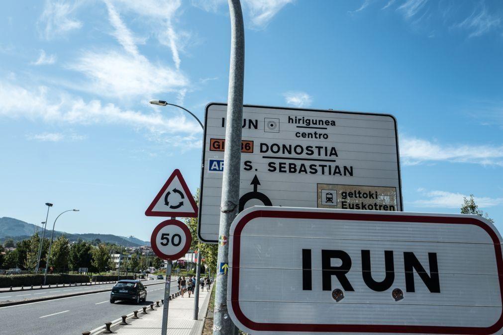 Covid-19: Merkel quer medidas homogéneas nas fronteiras dos 27 contra novas variantes