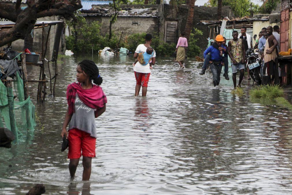 Autoridades alertam 140 famílias para fugirem à subida do rio Búzi em Moçambique
