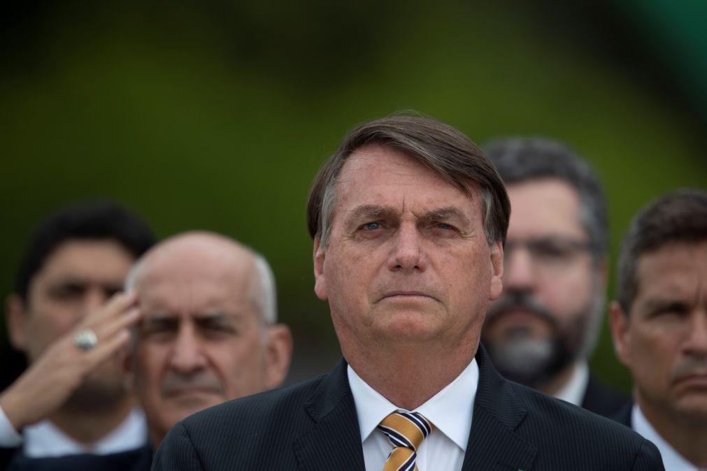 Covid-19: Jair Bolsonaro diz que Forças Armadas decidem