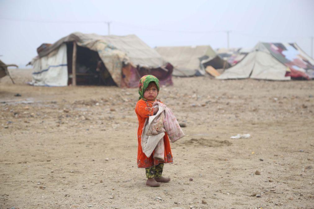 Quase 10 milhões de crianças afegãs precisam de ajuda para sobreviver