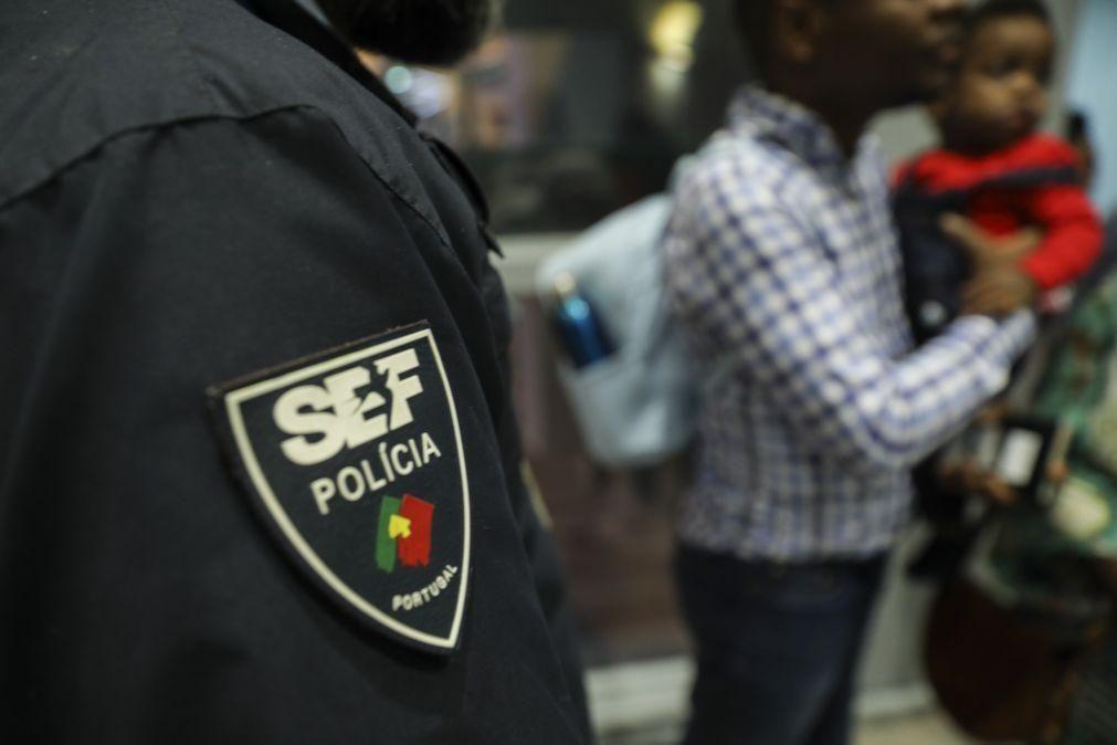 Inspetores respondem com greve à «extinção e esquartejamento» do SEF