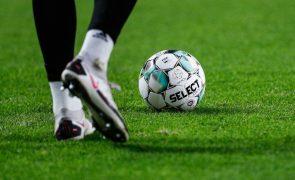 Taça da Liga: Jorge Jesus remenda defesa, Paulinho suplente no Sporting de Braga