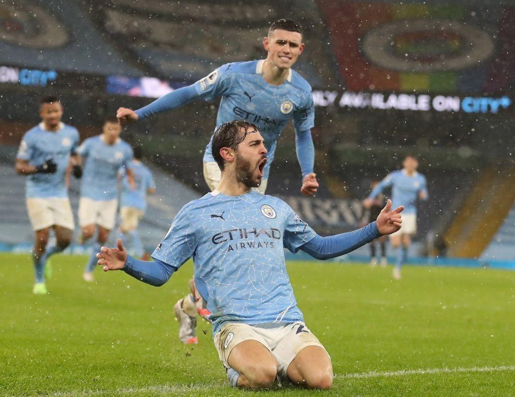 Bernardo Silva marca na vitória do novo líder Manchester City com o Aston Villa