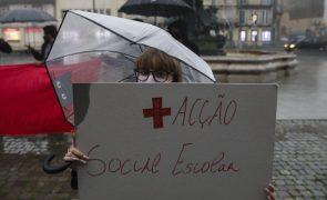Covid-19: Estudantes do Porto e Lisboa pedem ao Governo que encerrem escolas
