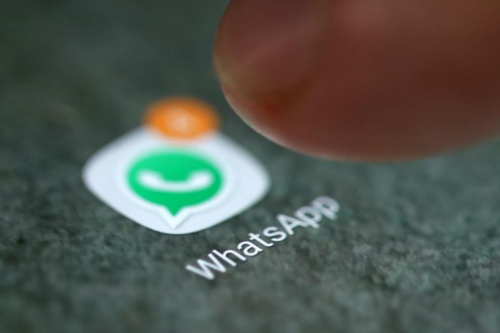 WhatsApp adia mudança na privacidade após debandada de utilizadores