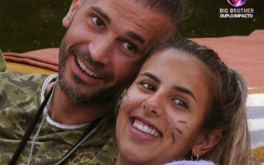 Bruno Savate e Joana envolvem-se debaixo dos lençóis