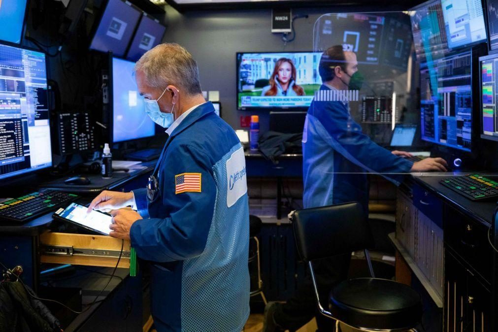 Wall Street fecha com novos recordes do Nasdaq e S&P500