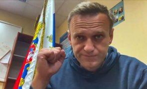 Justiça russa condena porta-voz de Navalny a nove dias de prisão