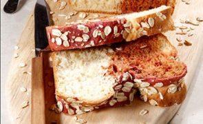 Faça o seu próprio pão em casa! Experimente esta receita inovadora com beterraba - fácil e deliciosa!