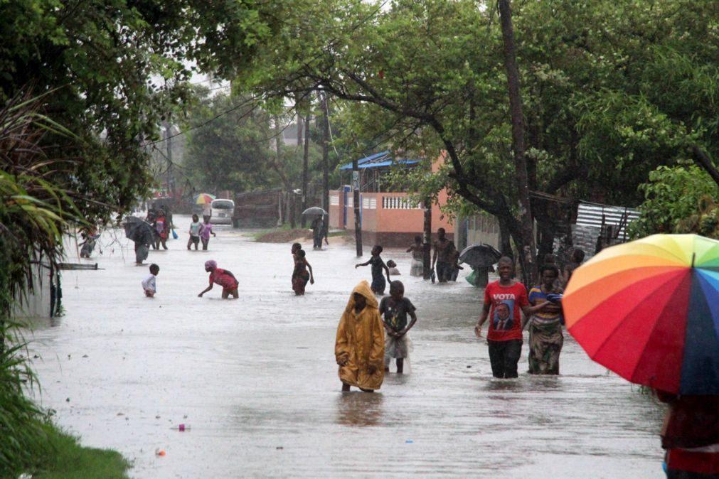Tempestade Eloise atinge categoria de ciclone horas antes de atingir Beira