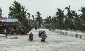 Ciclone Eloise causa pelo menos três mortos na cidade da Beira, Moçambique